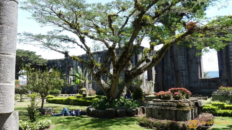 Cartago,zříceninafarního kostela Jakuba Apoštola (SantiagoApostolParishRuins)