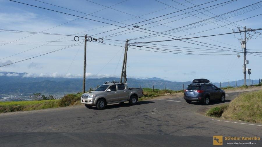 Podmínky vypůjčení vozu v Kostarice a jeho rezervaci je možno pomocí internetu vyřídit z domova.
