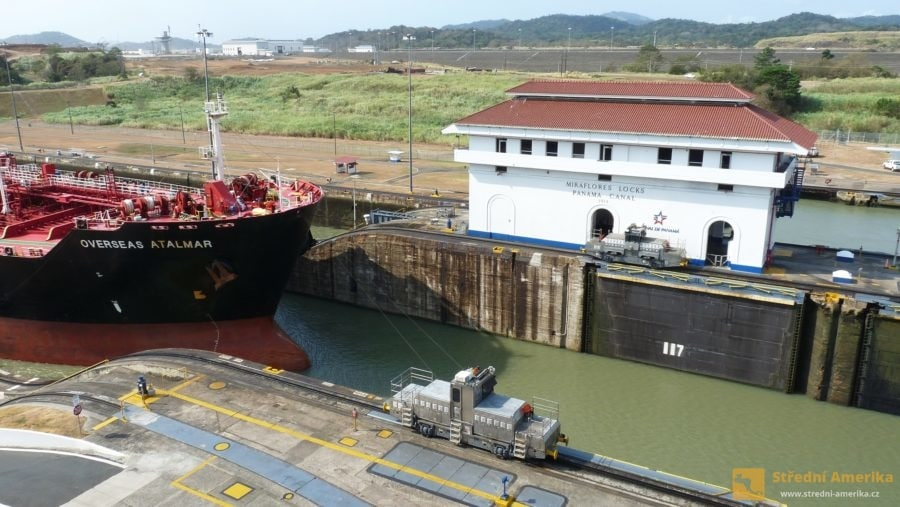 Panama. Zdymadla v Miraflores, lokomotiva