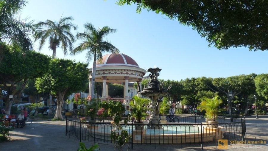 Nikaragua, Granada, Centrální park
