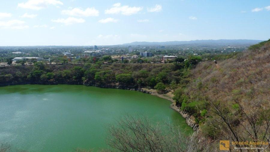 NManagua, sopečné jezero uprostřed města