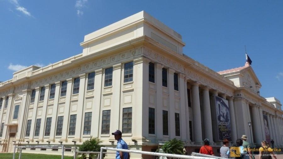 Managua, Plaza de la República. Národní palác kultury.