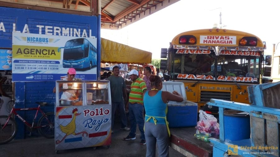 Nikaragua, autobusové nádraží/křižovatka v Rivas.