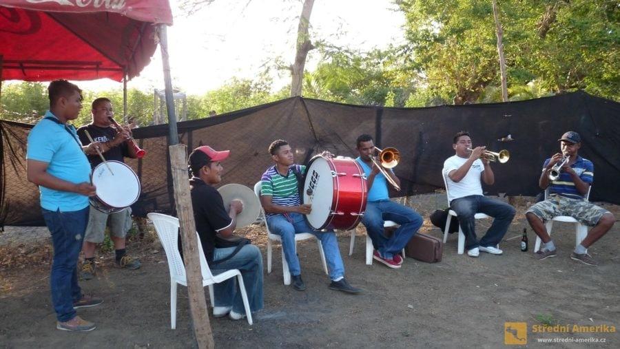 Ometepe: Corrida de Toros na Ometepe, koncert dechovky