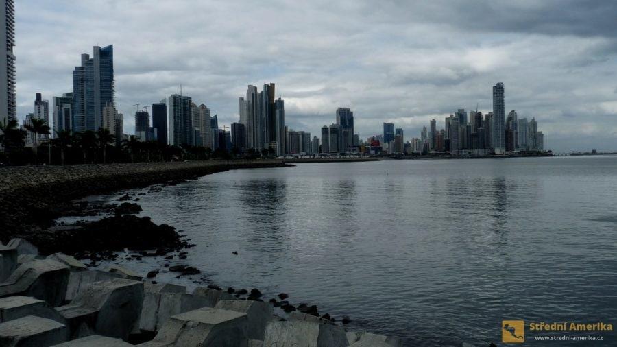 Panama: Soumrak a tma přicházejí v této části světa rychle.