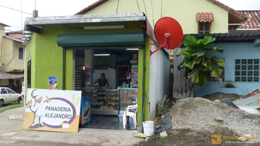 Portobelo: Malé obchody mají přes poledne zavřeno