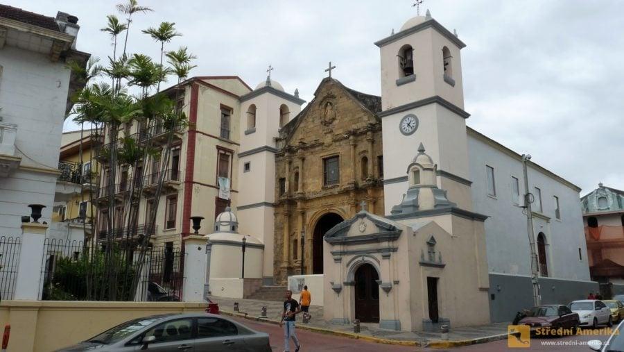 Panama City: Obyvatelstvo Panamy je ponejvíc římskokatolického a protestantského vyznání