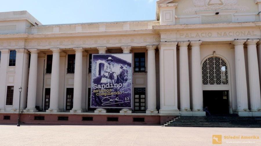 Managua: Národní palác kultury, místo počátku revoluce