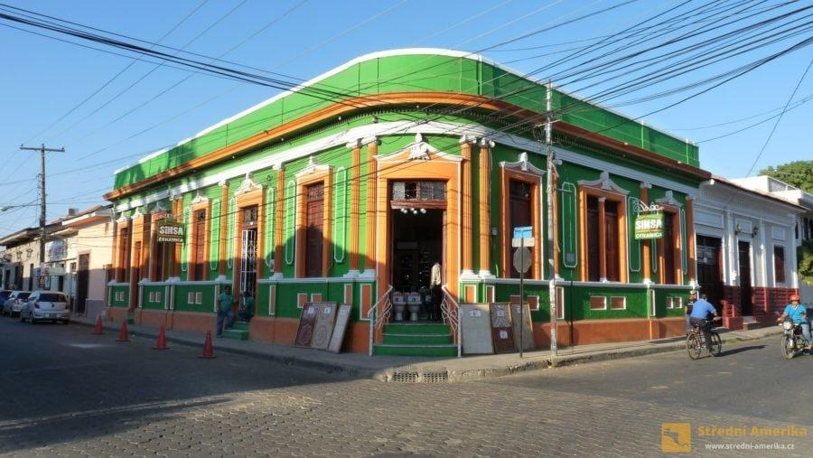 Nikaragua, koloniální stavby ve městě Leonu