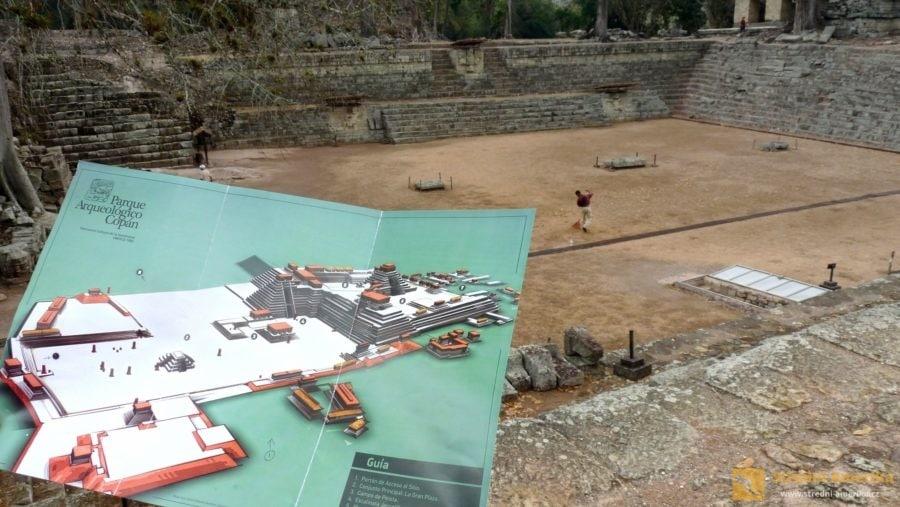 Copán. Druhé největší hřiště ve střední Americe na mayskou rituální míčovou hru