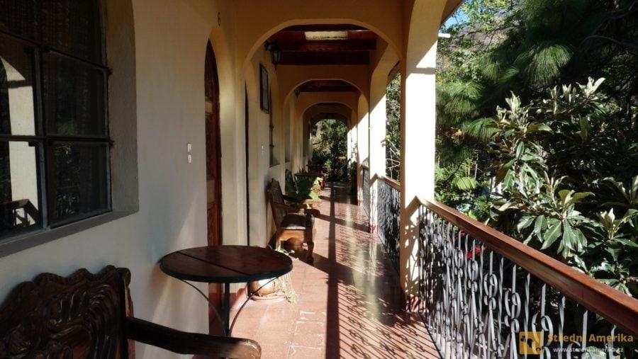 Guatemala, Panajachel. levné ubytování lze pohodlně zajistit prostřednictvím on-line rezervačních systémů