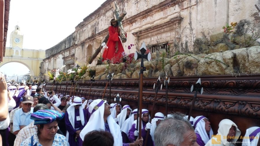 Antigua Guatemala. Tři a půl tunový